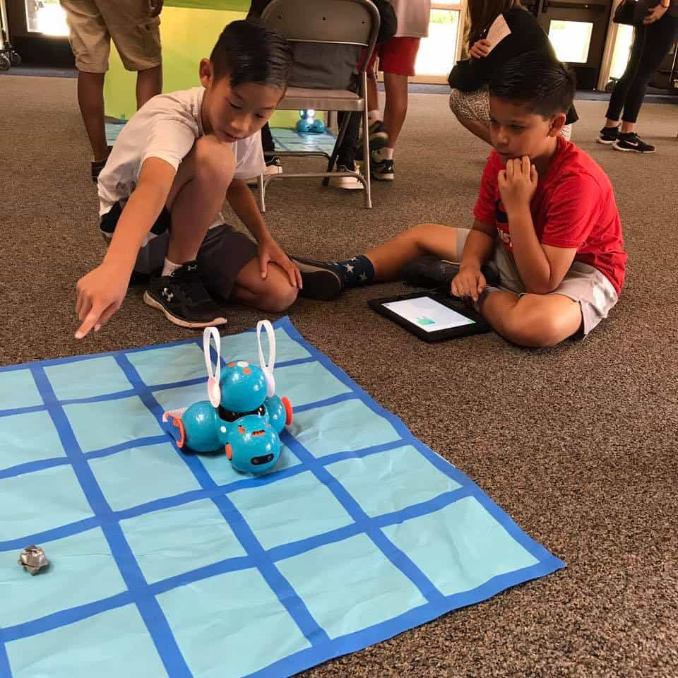 ROBOTS ARE ANYTHING BUT ELEMENTARY AT STONEGATE!