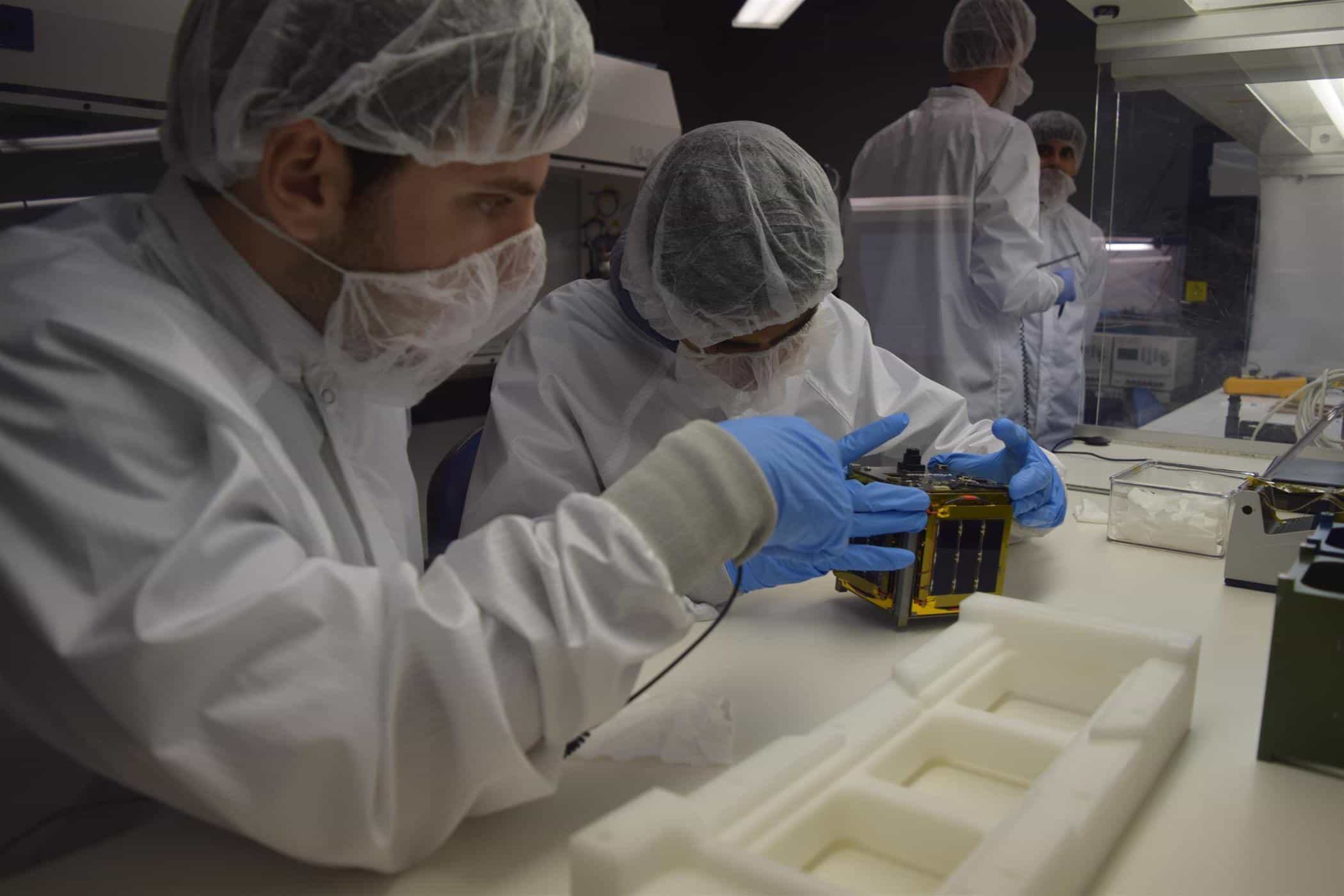 CUBESAT STUDENTS READY FOR LAUNCH